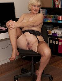 hot wife in stockings pics tumblr